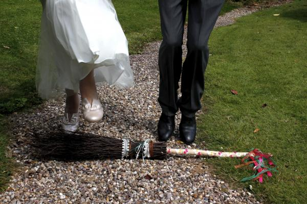 How to do a jumping the broom ceremony