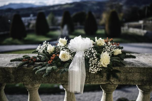 Hygge winter weddings on a DIY budget